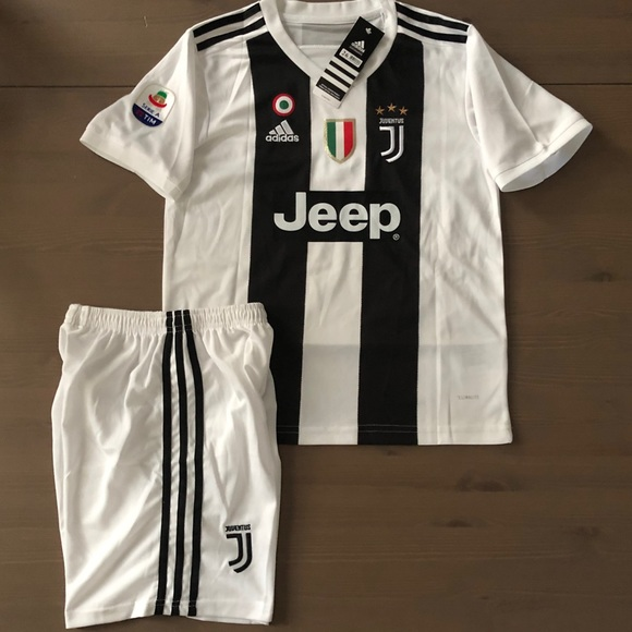 pretty nice 32a2f ce091 Kids kit home Juventus Ronaldo #7 soccer series A NWT